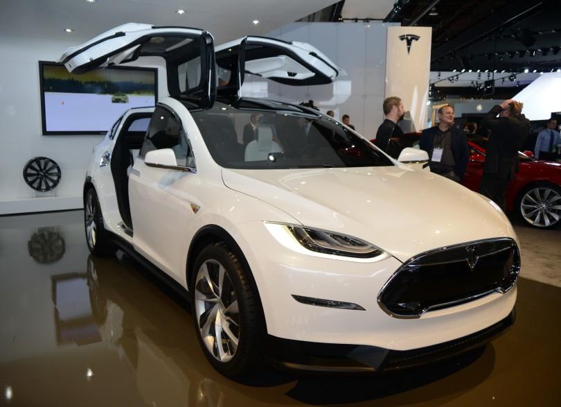 Tesla-Model-X-Concept-NAIAS-2013