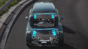 VOLKSWAGEN TOUAREG 2018 - Adaptive Chassis Control with Active Roll Stabilisation