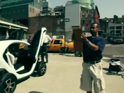 Renault Twizy struts its stuff in New York!