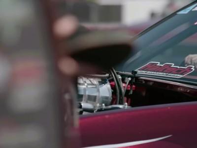 126 αυτοκίνητα κάνουν burnout