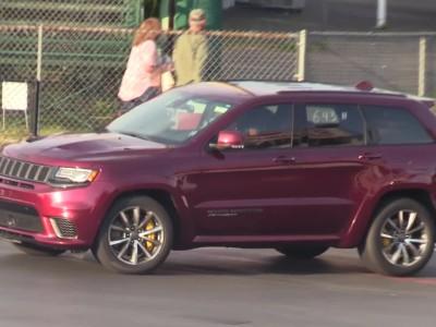 Jeep Grand Cherokee Trackhawk VS Suzuki Hayabusa