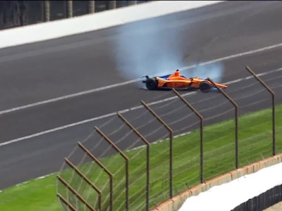 Alonso χτυπάει στο Indy500