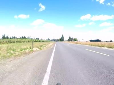Συνοδηγός επιχειρεί να μαχαιρώσει ποδηλάτη!