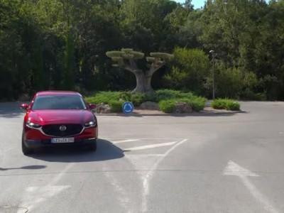 Το νέο Mazda CX-30 Πλάνα οδήγησης
