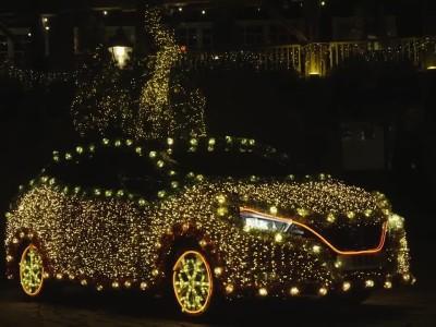 Το Nissan Leaf γίνεται χριστουγεννιάτικο δέντρο